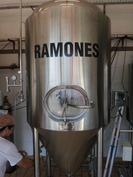 Tanque Ramones da Kud
