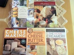 Livros sobre como fabricar queijos, iogurtes e outros derivados de leite